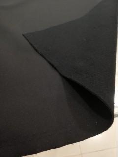 Tecido Impermeável 100% Poliéster Preto Forrado com Tecido Polar com Toque Macio
