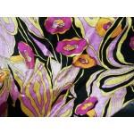 Veludo Malha Florido Base Preta E Rosa Seco com Flores Rosa Fuscia e Laranjas